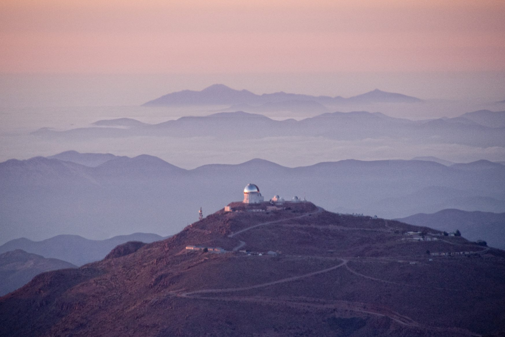 The Cerro Tololo Inter-American Observatory. Photograph by Dennis Crabtree, 2008. CC BY-NC-ND 2.0.